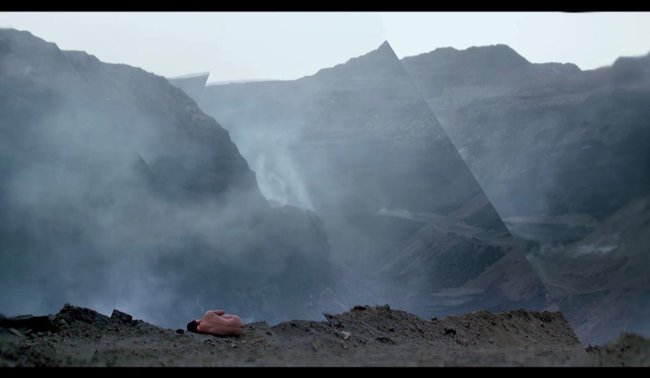 Behemoth – Zhao Liang (2015)
