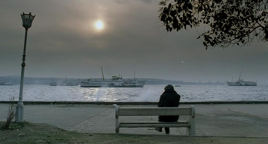 Uzak – Nuri Bilge Ceylan (2002)